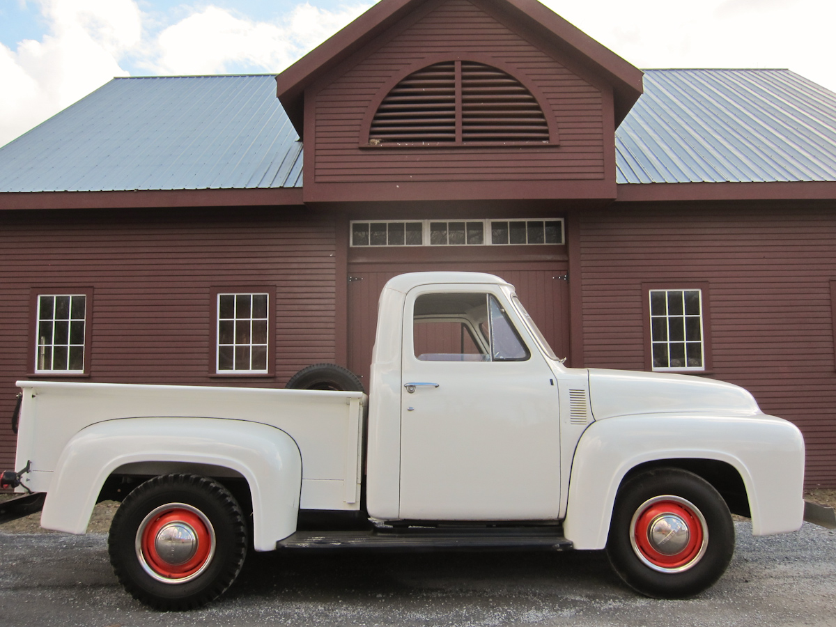 This super cool 1954 Ford F100